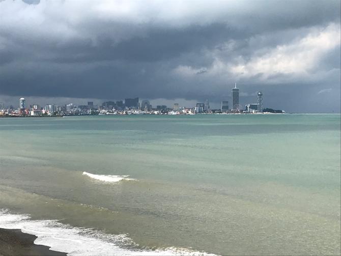 Batumi/Georgien: Da braut sich über dem Schwarzen Meer etwas zusammen...
