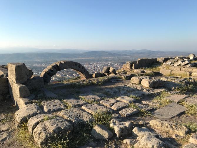 Pergamon: Ruinen des Burgtors