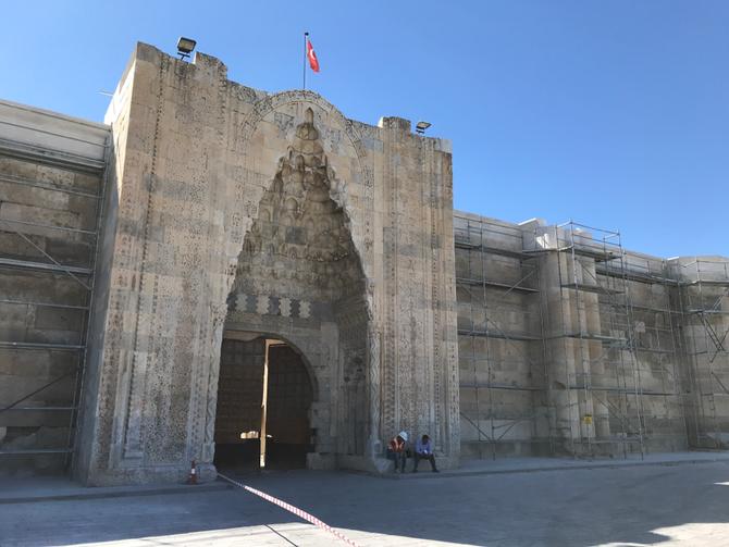 Karawanserei Sultanhanı (wird derzeit renoviert)