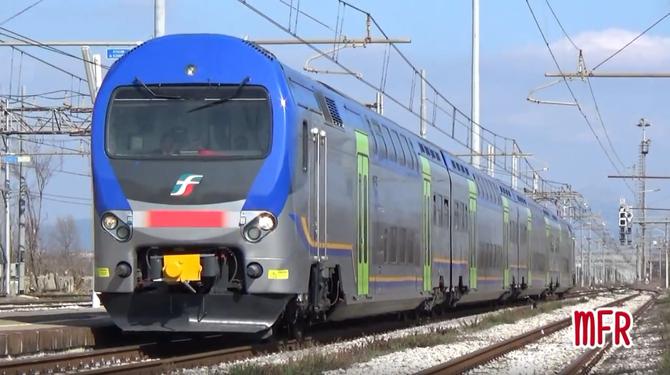 """""""ALe 506 + ALe 426 TAF: LIVREE a CONFRONTO per il Treno ad Alta Frequentazione a GRICIGNANO TEVEROLA"""": guarda il video!"""