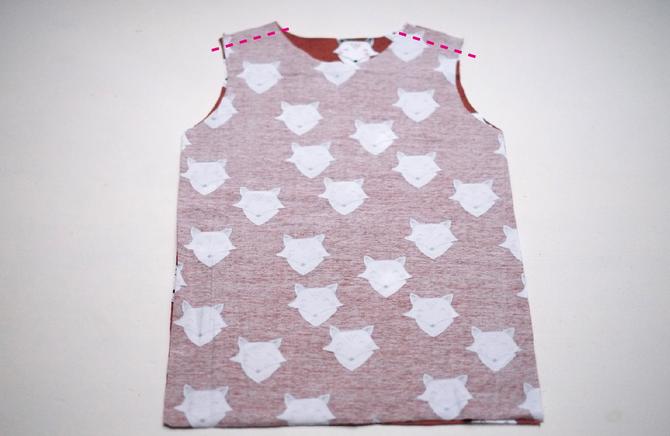 FREEBOOK: Baby-Basicshirt nähen (Gr. 56 und 62) - Lybstes.