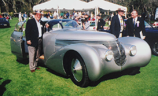 2001.  PRIMEE AU GREENWICH CONCOURS D'ELEGANCE (CONNECTICUT). CHARLES MORSE
