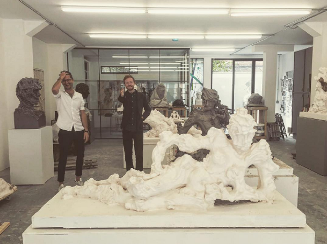 LONDRES 2015..KFGRAY et DSJCHANDLER très joyeux devant RECLINING NUDE I, Statuario  marbre