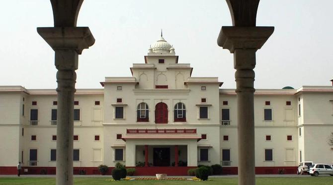NEW MOTI BAGH. Le Palais familial construit par le Maharajah Yadavindra Singh au début des années 60.