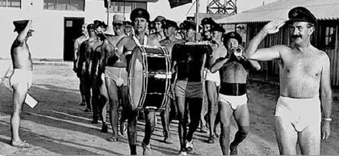 1971. L' ADIEU DE LA RAF à SHARJAH .  C* DUNCAN GRANT