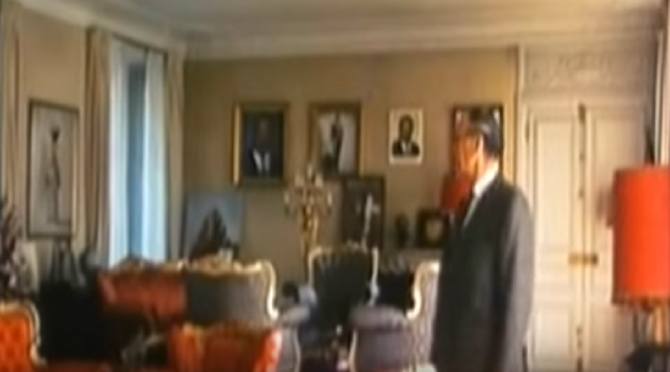 LE SALON DU CHÂTEAU DE HARDRICOURT. ...NON à droite, CE N'EST PAS LE Président .G.d'E.