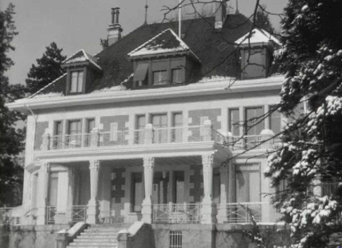 SUISSE. CANTON DE VAUD : PUIDOUX-CHEXBRES . La Villa du FLONZALEY où la famille royale résida 6 mois  1960/1961 avant un etournée européenne officielle.