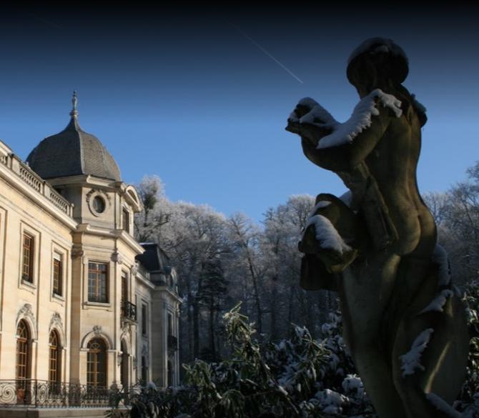 CHÂTEAU D'ENGHIEN (Belgique) où vivait le Baron Edouard EMPAIN et sa mère née Ghislaine de MONTBLANC