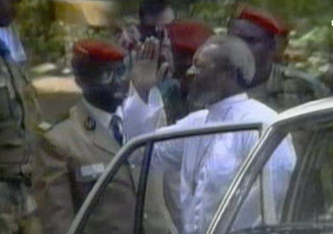 SALAH EDDINE AHMED JEAN BEDEL BOKASSA (22 Février 1921 + 3 Nov.1996)...Gracié et libéré en 1993  l'ex-président et empereur s'improvise  LEGAT  DU CHRIST. ON NE SE REFAIT PAS....
