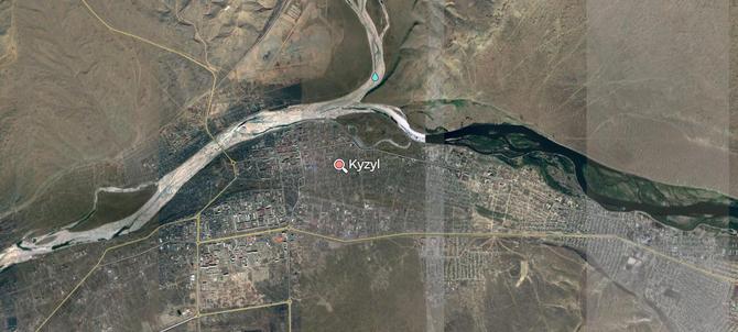 KYZYL AU CONFLUENT DU GRAND IENISSEÏ  (BOLCHOÏ IENISSEÏ) et DU PETIT IENISSEÏ (MALY IENISSEÏ) QUI FORMENT LE IENISSEÏ.  3.660Km à l'est de Moscou, 490Km au sud de Krasnoyarsk, 680km à l'ouest  d'Irskoutsk, 845km au sud-est de Novossibirsk.