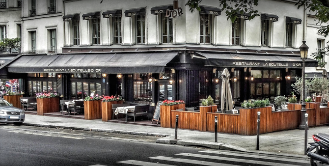 LA BOUTEILLE D'OR . 9 QUAI MONTEBELLO 75005 PARIS.  C* Patrice GODICHEAU 2015