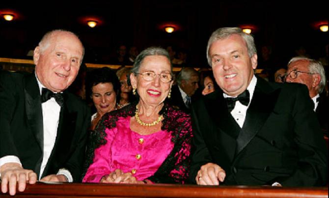 """COSI FAN TUTTE"".  LEON et MARTINE avec Sir CHRISTOPHER HOLMES Ambassadeur du Royaume-Uni.  Gala de l'AROP  Jeudi 22 Sep. 2005."