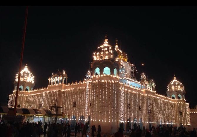 GURDWARA DUKH NIRWAN SAHIB.  Festival Diwali