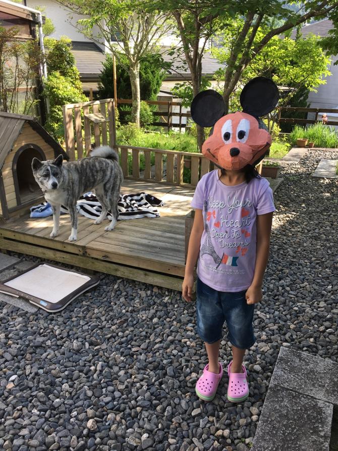 小学三年生女子/ミッキーマウスのかぶりもの。