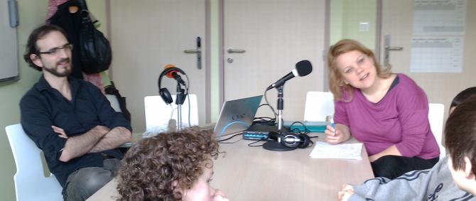 """Ateliers webradio à Fumay avec Annukka Nyyssönen (dans le cadre du projet """"la Voix Verte"""" porté par la compagnie l'Allégresse du Pourpre)"""