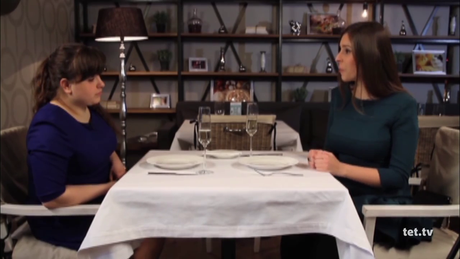 Катя і Вероніка. Кадр з відео