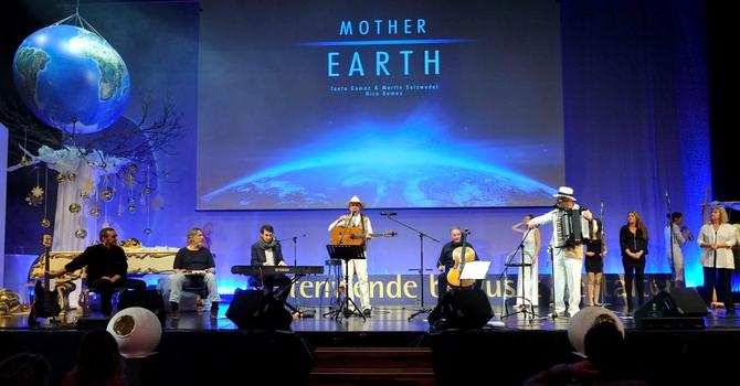 Kongresshaus Salzburg  Dezember 2012 AnKanaTe Festival  Taato Gomez & Otto Hablit & Nico Gomez & Martin Salzwedel & Band