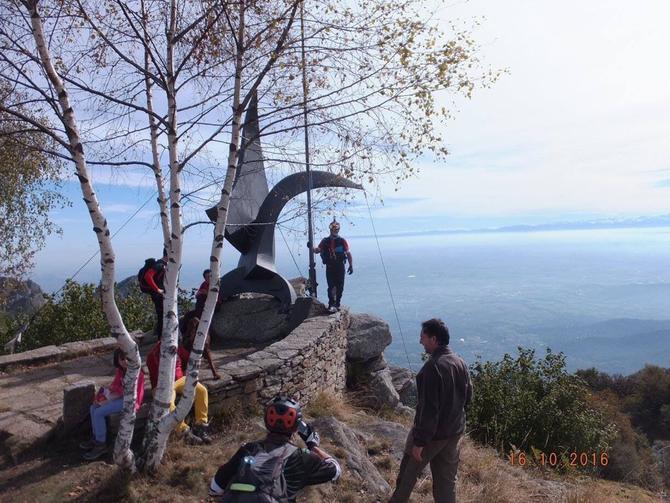 La cima del Freidour è già stata conquistata tempo fa ma il progetto odierno è creare un percorso ad anello passando dal COLLE ARAGNO