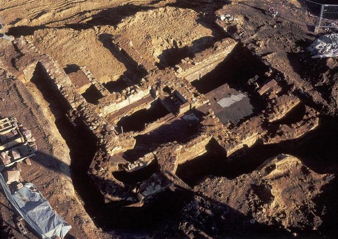 Im Okt. 2003 wiederentdeckt: Die Fragmente der von den Nazis zerstörte Liberale Synagoge / Foto: Stadt Darmstadt Nikolaus Heiss