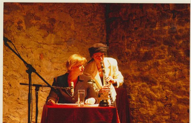 Irith Gabriely und Iris Stromberger beim Benefizkonzert des FÖRDERVEREINS LIBERALE SYNAGOGE im Bessunger Jagdhofkeller, März 2013 / Foto: FLS
