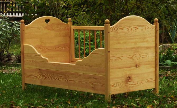kombinierbare baby kinderbetten kinderbetten socher. Black Bedroom Furniture Sets. Home Design Ideas