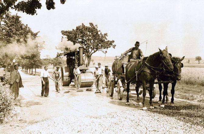 Straßenbau in den 50er Jahren