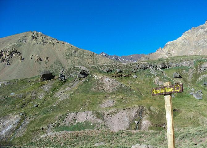 Aufbruch vom Lager Confluencia zum Basislager Plaza de Mulas, Dauer etwa 8 bis 10 Stunden, 08.01.2008, 07:33 Uhr