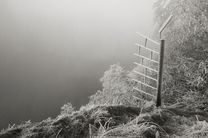 """GC20EV1 """"Großer Kalkbruch"""", der Winter war unübersehbar eingebrochen, so dass der Grund des Bruchs im Nebel verschwand"""