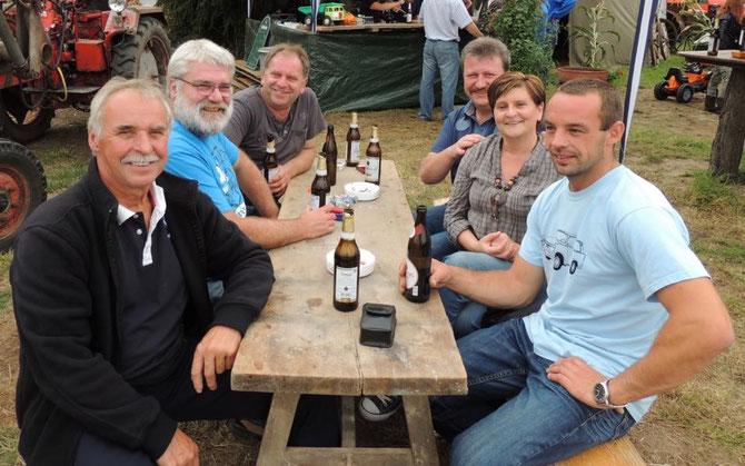 Klaus, Guido, Rolf, Reiner, Simone (eine Klinzerin) und Marcel