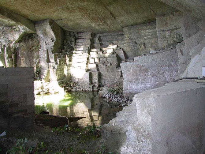 福光石 石切り場