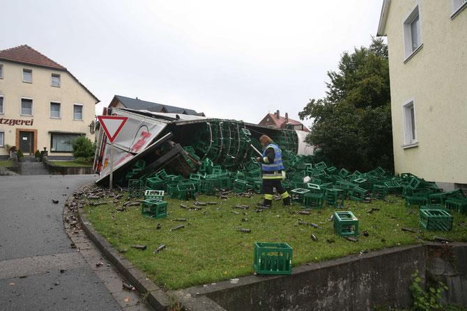 LKW-Unfall Hochstadt am Main (2) - (Foto: Stefan Johannes)