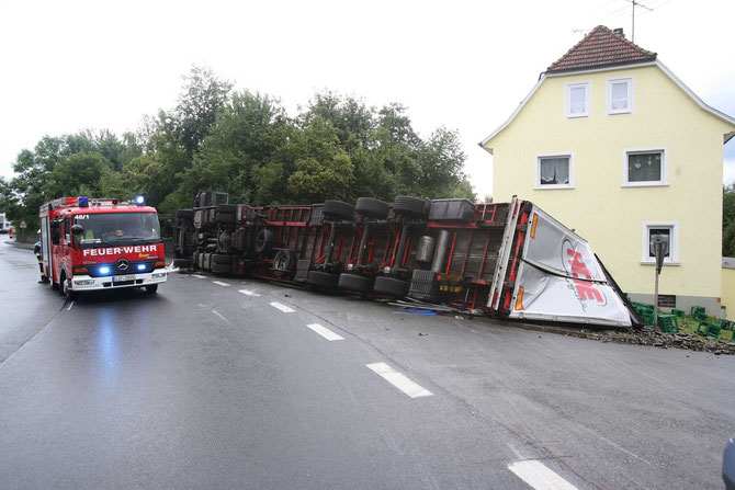 LKW-Unfall Hochstadt am Main (1) - (Foto: Stefan Johannes)