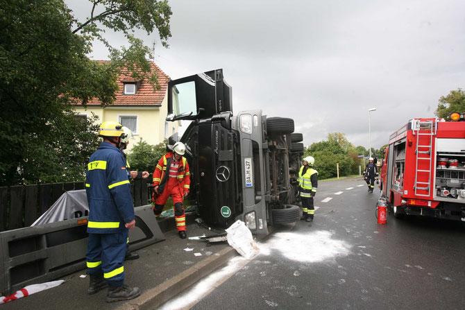 LKW-Unfall Hochstadt am Main (4) - (Foto: Stefan Johannes)
