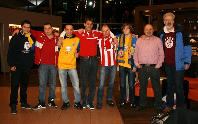 So kann es auch sein: FCB- und Eintracht Braunschweig-Fans gemeinsam unterwegs