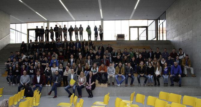 """Die Schülerinnen und Schüler des """"Klimaschulen-Projekts"""" beim Vortrag der Kremser Baudirektion über nachhaltige Stadtplanung.Foto: zVg"""