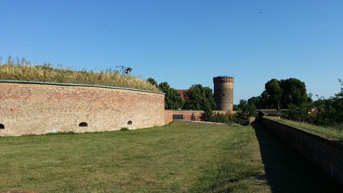 Zitadelle Spandau, Blick von der Bastion Kronprinz auf den Juliusturm