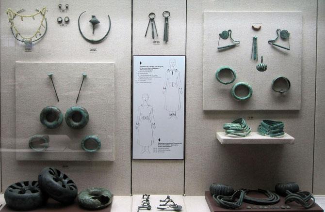 hallstattzeitlicher Schmuck aus Mainfranken, Mainfränkisches Museum Würzburg