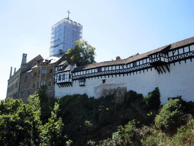 Wartburg, Blick auf Wehrgänge, Palas und Bergfried, Eisenach