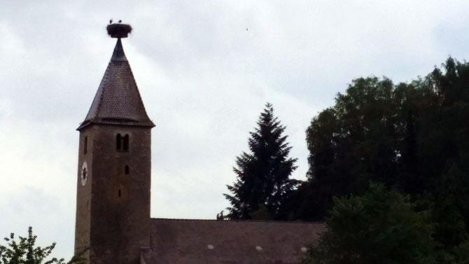 Nabburg, Friedhofskirche St. Georg mit Storchennest