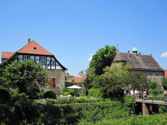 Rittergut Remeringhausen, Blick vom Park auf das Herrenhaus und Schloss, Stadthagen