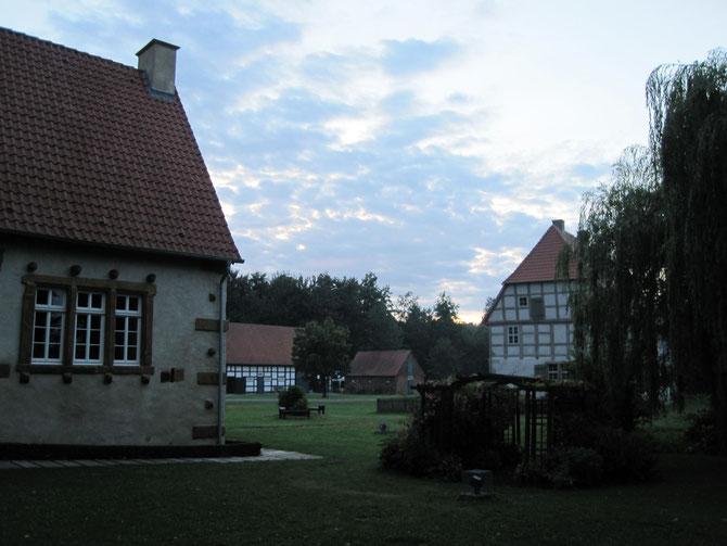 Werburg, Torhaus, Herrenhaus und Scheune, Spenge