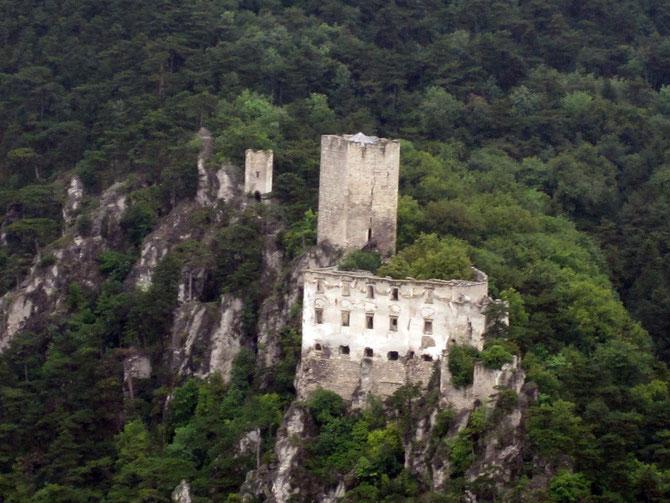 Burg Rauhenstein von Burg Rauheneck aus gesehen, Baden bei Wien