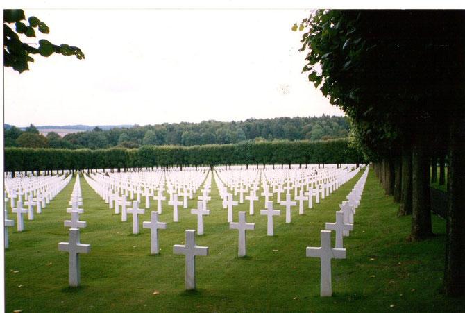 On peut encore visiter dans la Meuse l'un des plus grands cimetières américains sur le sol français,celui de Cunel-Montfaucon où reposent 14 246 soldats identifiés,