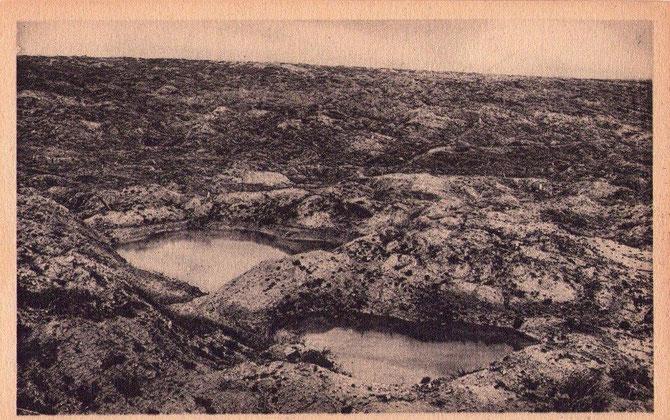 L'immense chaos après la bataille du Mort-Homme et la cote 304 rive Gauche de Verdun * Le Mort-Homme , perché au-dessus du village de Cumières,complètement détruit