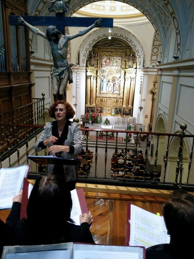 Novena de Nuestra Patrona Santa Teresa . Iglesia de la Santa ( Avila) 10-10-2015 Directora, Maria de los Ángeles de Miguel.
