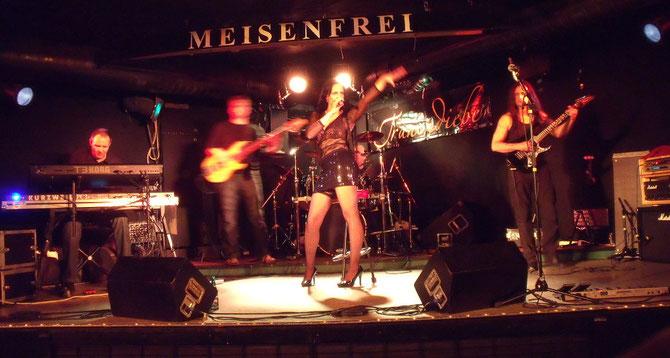 Gesangsunterricht + Tips vom Profi für die Bühne !!!