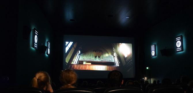 Ein Workshop für die Ministranten fand auch im Kino statt, was gut besucht war wegen des schlechten Wetter.
