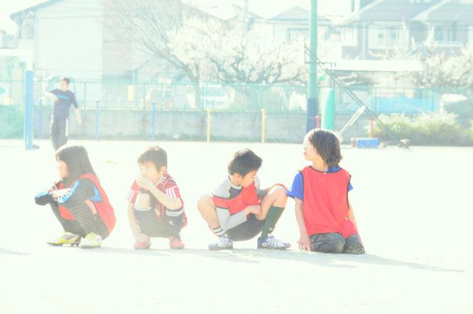 久々にサッカーを思い切り校庭でした。