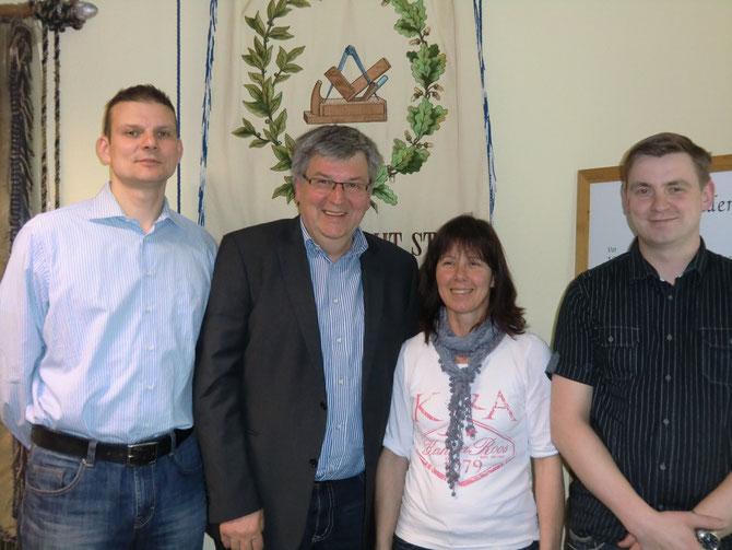 Vorstand der Tischler - Innung Cottbus:         v.l. Ronald Erdmann, Matthias Jordan, Manuela Nicolao und Thomas Kochan