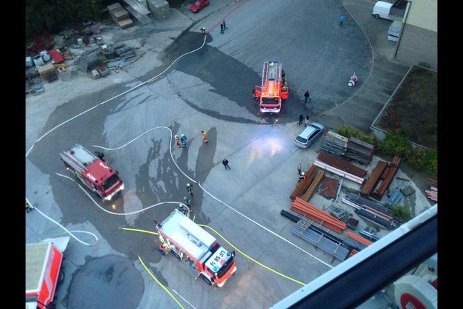 Übung bei der Fa. FTO Obermain in Horb am Main am 25.09.2014 im Rahmen der Feuerwehr-Aktionswoche (5) - (Foto: FF Burgkunstadt)